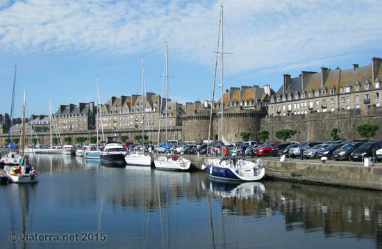 saint malo port remparts