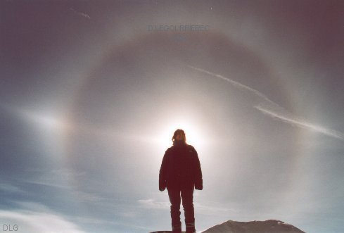 sun halo mountains