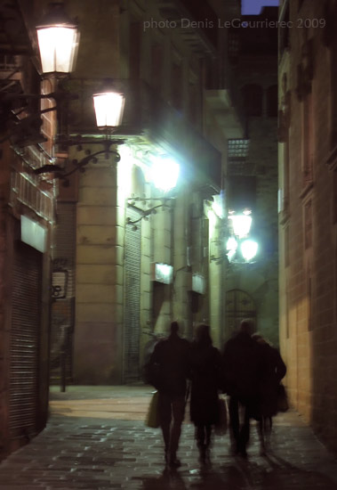 barcelona street at night