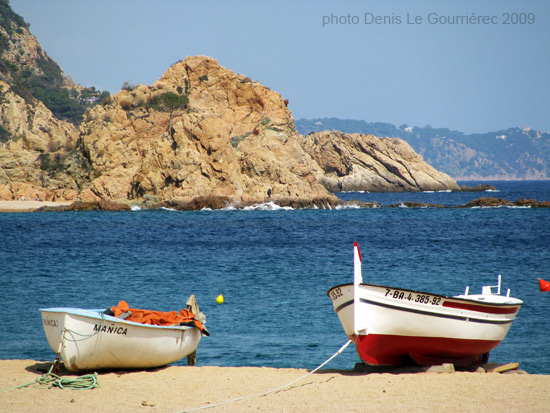 boats beach tossa de mar